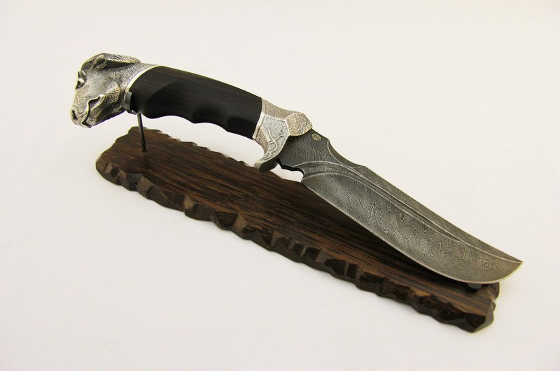 Нож авторский Буйвол на подставке