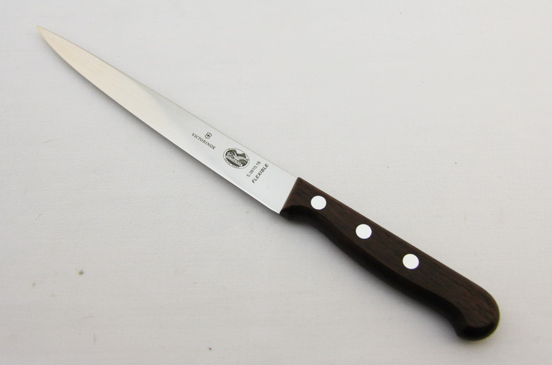 Нож кухонный Victorinox 5.3810.18
