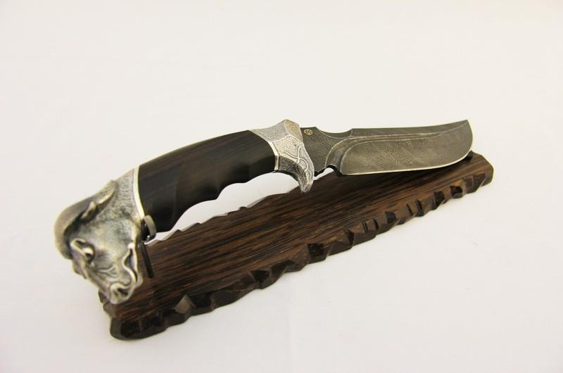 Нож авторский Буйвол на подставке 2